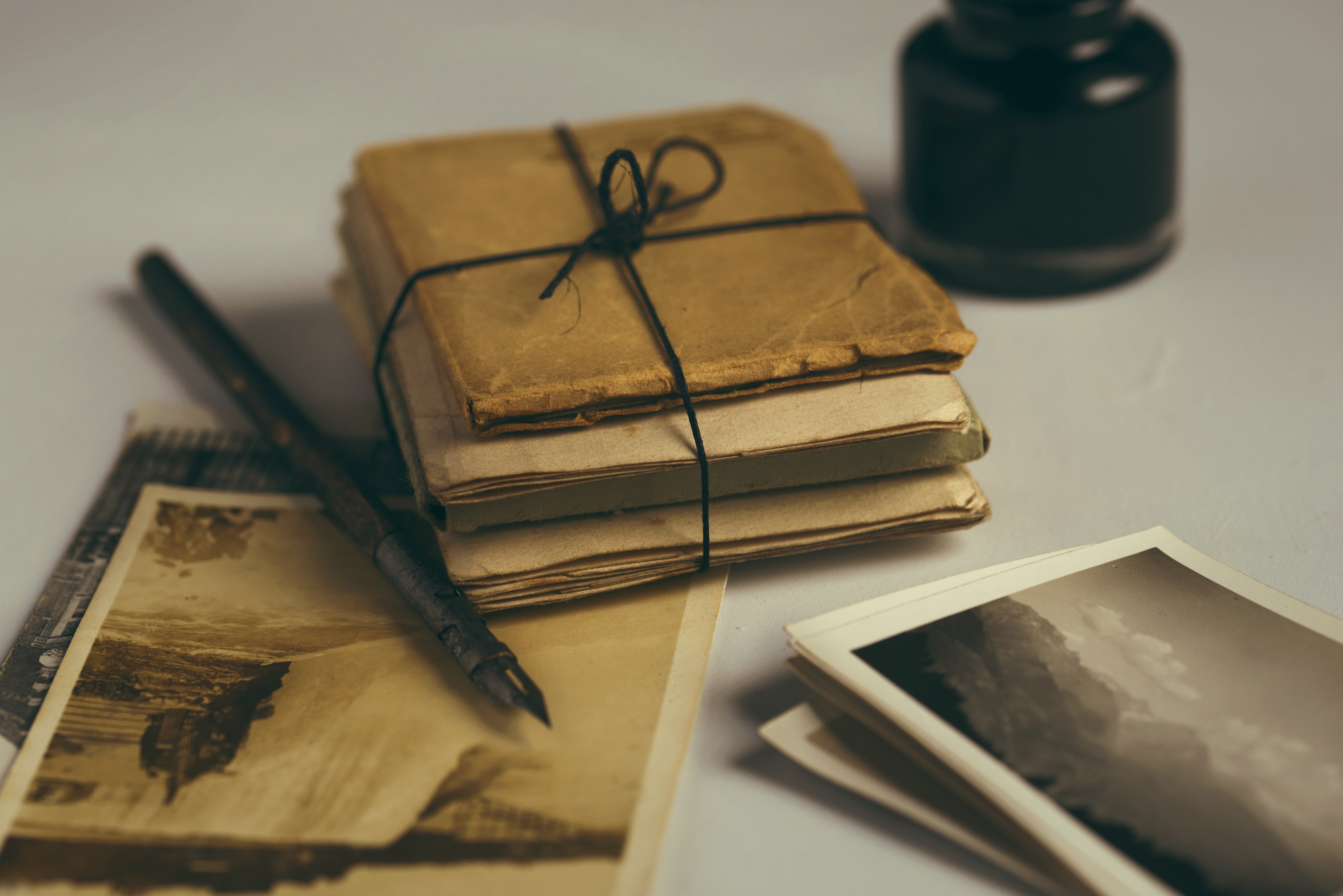 old-letters-1082299